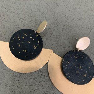 Black & Gold Speckled Earrings ✨